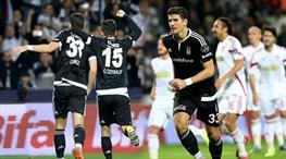 İşte penaltı anı! Gomez ters köşeye yatırdı!
