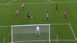 Suarez açılışı voleyle yaptı!.. Nefis gol!..