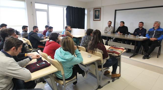 Osman Özköylü üniversitede ders verdi