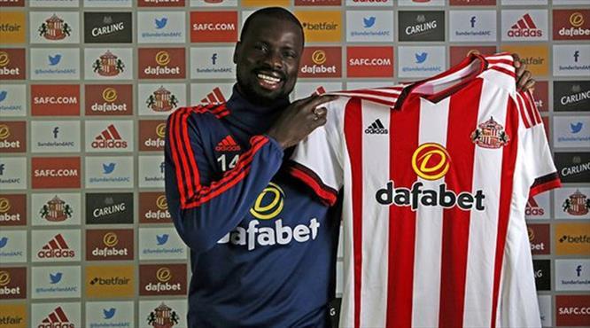 Emmanuel Eboue resmen Sunderland'de