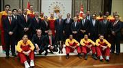 Cumhurbaşkanı Erdoğan şampiyonları kabul etti