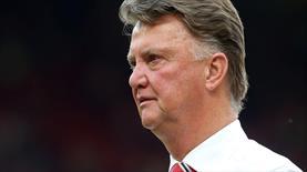 Manchester United'da Van Gaal dönemi resmen bitti!