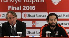 Galatasaray'da Jan Olde Riekerink ve Selçuk İnan dev final öncesi konuştu!