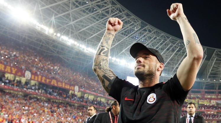 Galatasaraylı Sneijder Hollanda milli takım kadrosundan çıkarıldı