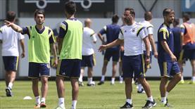 Fenerbahçe'de Pereira transferlerin bir an önce bitirilmesini istiyor