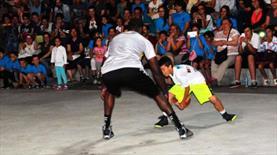 14'lük Ali NBA yıldızını şaşkına çevirdi!