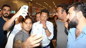 Adriano'ya kral gibi karşılama!